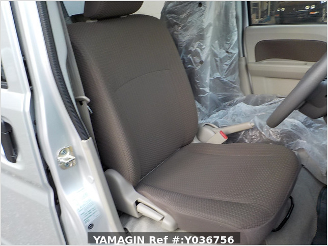 It is a picture of the silver suzuki every passenger van in 2018,Sub Photo 6 Stock No.Y036756