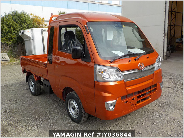 It is a picture of the orange daihatsu hijet jumbo in 2020,Sub Photo 0 Stock No.Y036844