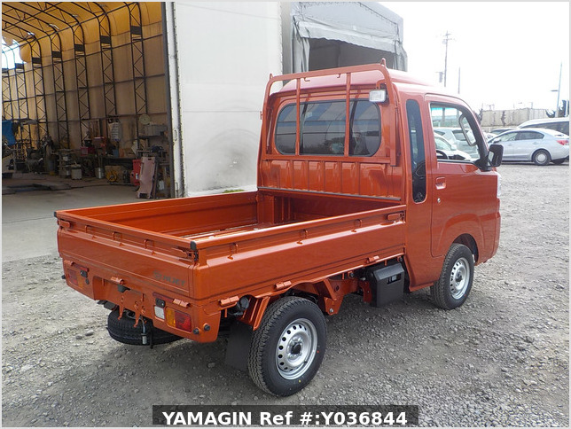 It is a picture of the orange daihatsu hijet jumbo in 2020,Sub Photo 2 Stock No.Y036844