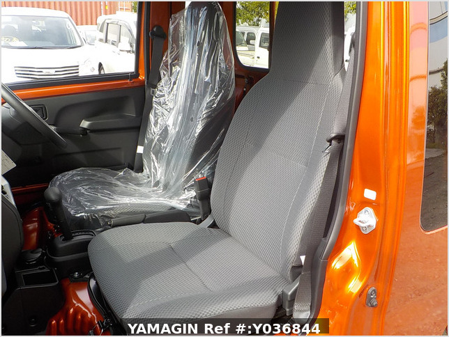 It is a picture of the orange daihatsu hijet jumbo in 2020,Sub Photo 12 Stock No.Y036844