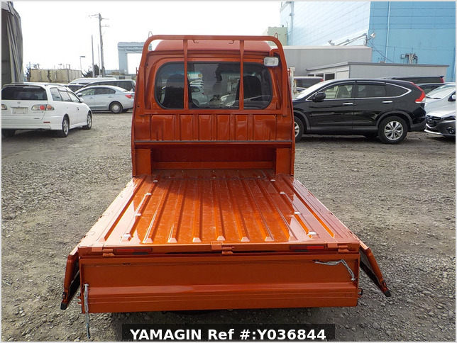 It is a picture of the orange daihatsu hijet jumbo in 2020,Sub Photo 4 Stock No.Y036844