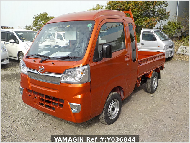 It is a picture of the orange daihatsu hijet jumbo in 2020,Sub Photo 1 Stock No.Y036844