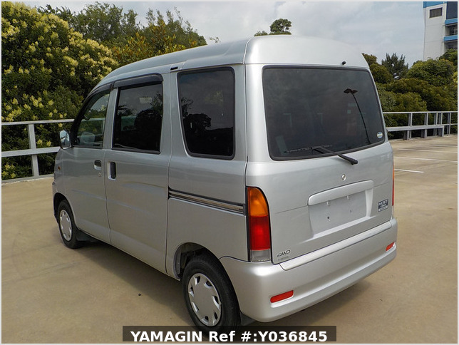 It is a picture of the silver daihatsu hijet  passenger van in 2002,Sub Photo 3 Stock No.Y036845