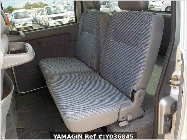 It is a picture of the silver daihatsu hijet  passenger van in 2002,Sub Photo 13 Stock No.Y036845