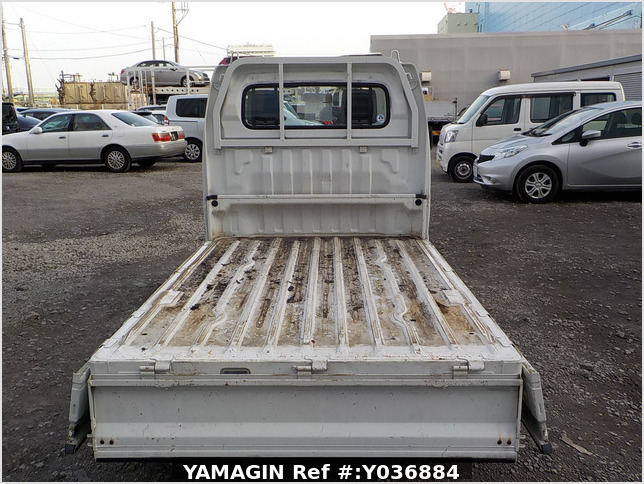 It is a picture of the white suzuki carry truck truck in 2007,Sub Photo 4 Stock No.Y036884