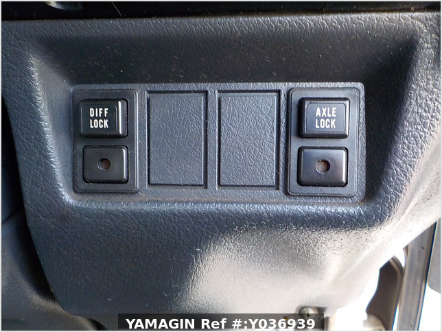It is a picture of the white suzuki carry truck in 1996,Sub Photo 10 Stock No.Y036939