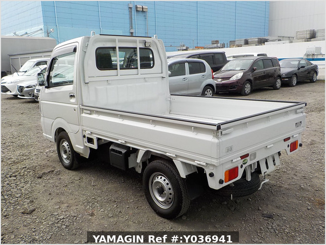 It is a picture of the white suzuki carry truck in 2019,Sub Photo 3 Stock No.Y036941