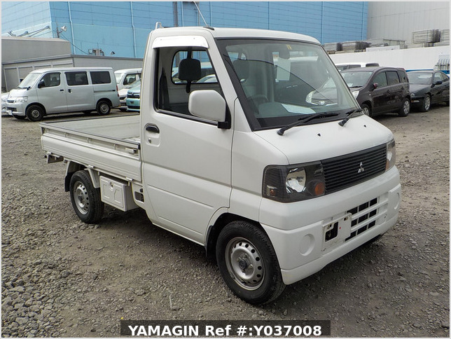 It is a picture of the white mitsubishi minicab truck in 2003,Sub Photo 0 Stock No.Y037008
