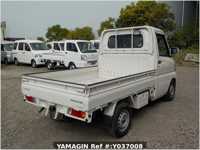 It is a picture of the white mitsubishi minicab truck in 2003,Sub Photo 2 Stock No.Y037008