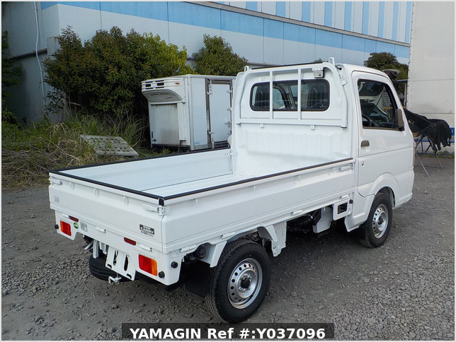 It is a picture of the white suzuki carry truck in 2020,Sub Photo 2 Stock No.Y037096