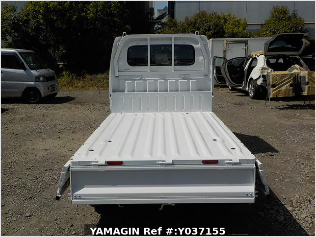 It is a picture of the white suzuki carry dump in 2021,Sub Photo 5 Stock No.Y037155