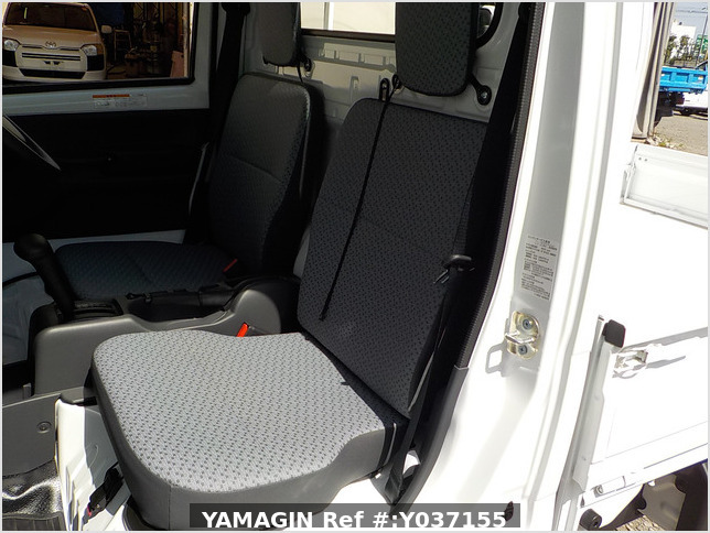 It is a picture of the white suzuki carry dump in 2021,Sub Photo 9 Stock No.Y037155