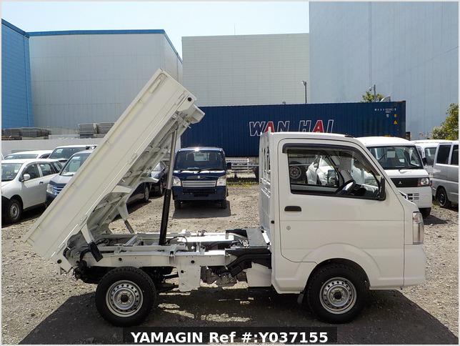 It is a picture of the white suzuki carry dump in 2021,Sub Photo 0 Stock No.Y037155