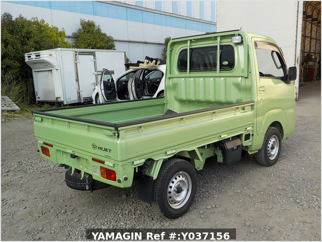 It is a picture of the green daihatsu hijet truck in 2017,Sub Photo 2 Stock No.Y037156