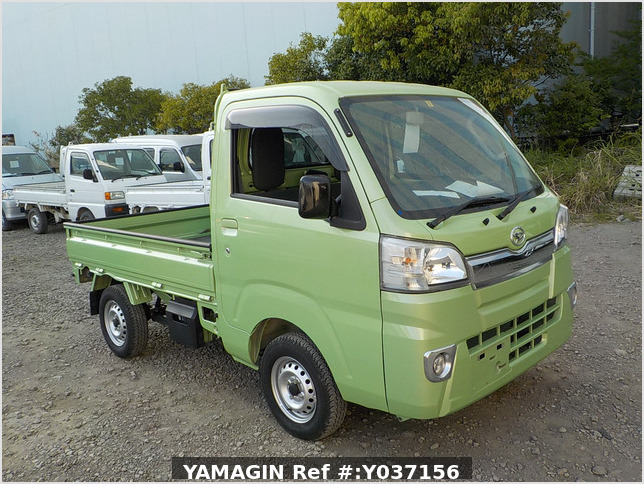It is a picture of the green daihatsu hijet truck in 2017,Sub Photo 0 Stock No.Y037156
