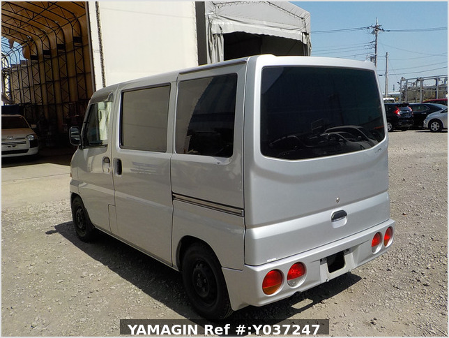 It is a picture of the silver mitsubishi minicab passenger van in 2001,Sub Photo 2 Stock No.Y037247