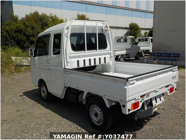 It is a picture of the white suzuki carry  jumbo in 2019,Sub Photo 3 Stock No.Y037477