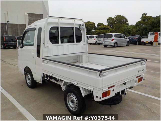 It is a picture of the white daihatsu hijet jumbo in 2020,Sub Photo 3 Stock No.Y037544