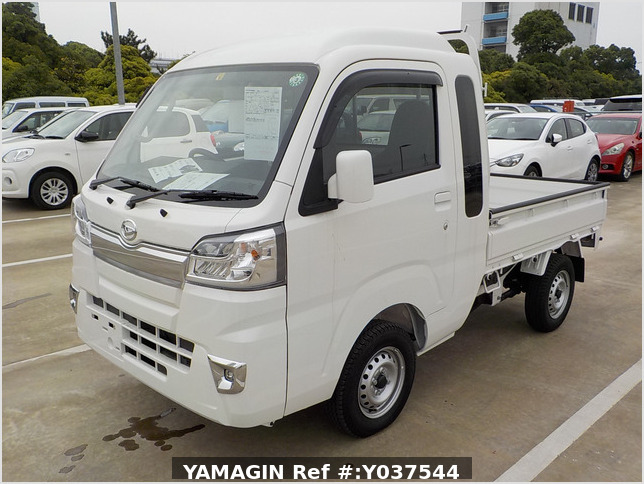 It is a picture of the white daihatsu hijet jumbo in 2020,Sub Photo 1 Stock No.Y037544
