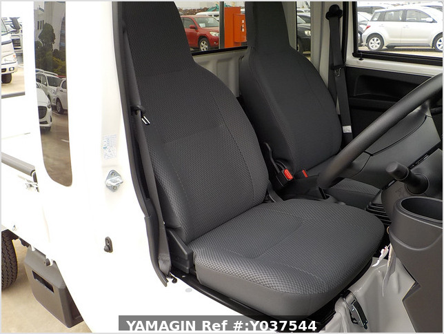 It is a picture of the white daihatsu hijet jumbo in 2020,Sub Photo 7 Stock No.Y037544