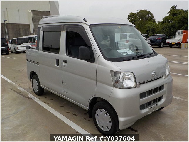 It is a picture of the silver daihatsu hijet  deck van in 2007,Sub Photo 0 Stock No.Y037604