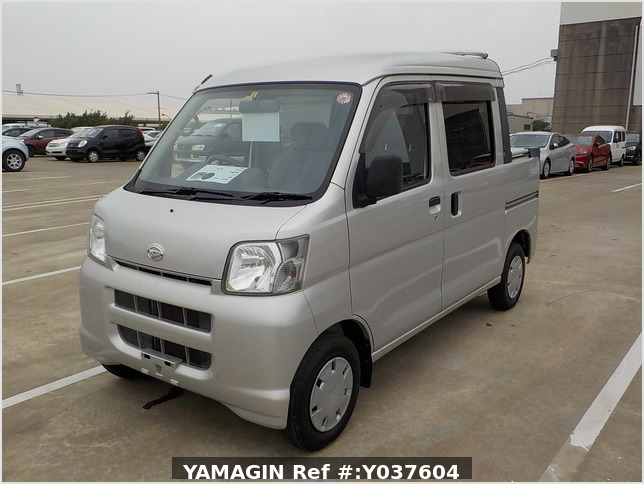 It is a picture of the silver daihatsu hijet  deck van in 2007,Sub Photo 1 Stock No.Y037604