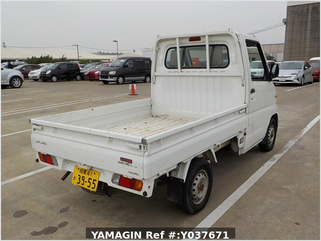 It is a picture of the white mitsubishi minicab truck in 1999,Sub Photo 2 Stock No.Y037671