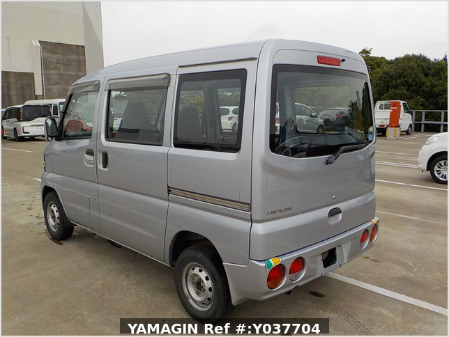It is a picture of the silver mitsubishi minicab passenger van in 2007,Sub Photo 3 Stock No.Y037704
