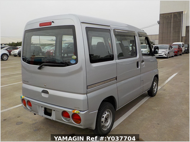It is a picture of the silver mitsubishi minicab passenger van in 2007,Sub Photo 2 Stock No.Y037704