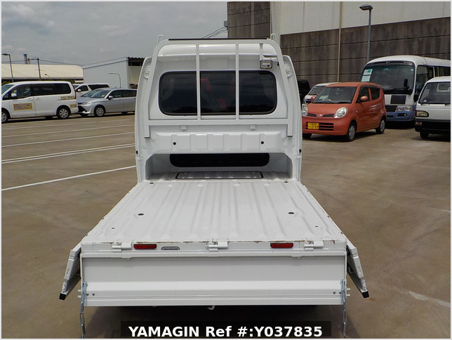 It is a picture of the white suzuki carry jumbo in 2021,Sub Photo 10 Stock No.Y037835