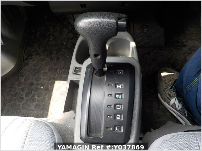 It is a picture of the silver nissan clipper passenger van in 2005,Sub Photo 13 Stock No.Y037869