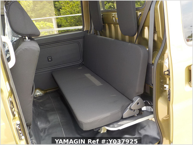 It is a picture of the  khaki  daihatsu hijet deck van in 2020,Sub Photo 9 Stock No.Y037925