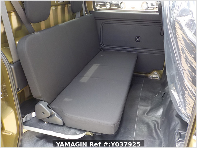 It is a picture of the  khaki  daihatsu hijet deck van in 2020,Sub Photo 7 Stock No.Y037925