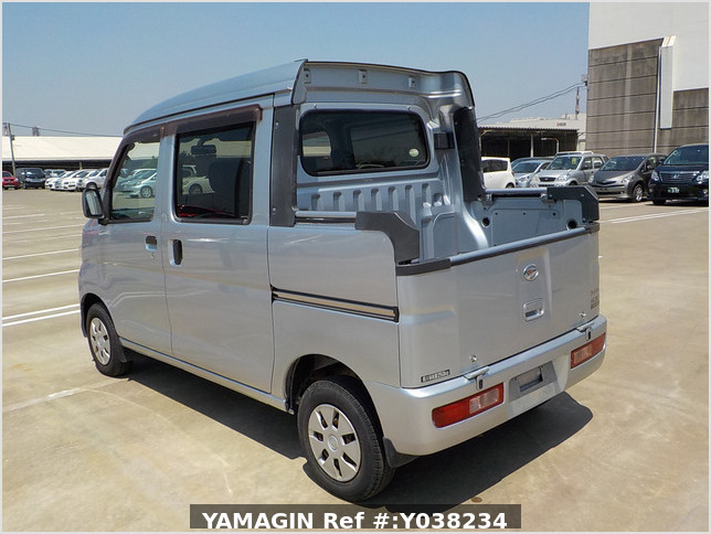 It is a picture of the silver daihatsu hijet deck van in 2011,Sub Photo 3 Stock No.Y038234