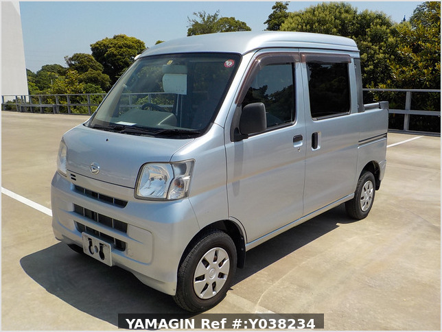It is a picture of the silver daihatsu hijet deck van in 2011,Sub Photo 1 Stock No.Y038234