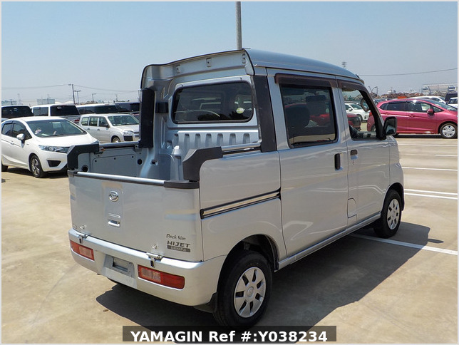It is a picture of the silver daihatsu hijet deck van in 2011,Sub Photo 2 Stock No.Y038234