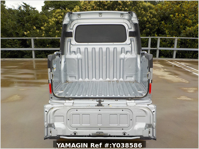 It is a picture of the silver daihatsu hijet deck van in 2019,Sub Photo 4 Stock No.Y038586