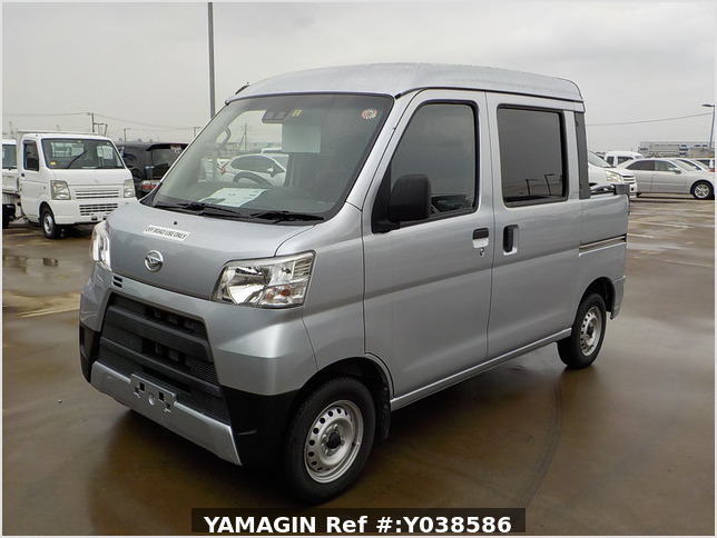 It is a picture of the silver daihatsu hijet deck van in 2019,Sub Photo 1 Stock No.Y038586