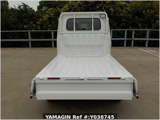 It is a picture of the white daihatsu hijet truck in 2021,Sub Photo 4 Stock No.Y038745