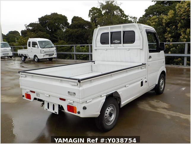 It is a picture of the white suzuki carry truck in 2013,Sub Photo 3 Stock No.Y038754