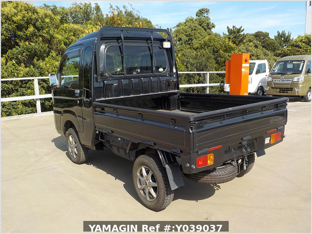 It is a picture of the black daihatsu hijet jumbo in 2016,Sub Photo 2 Stock No.Y039037