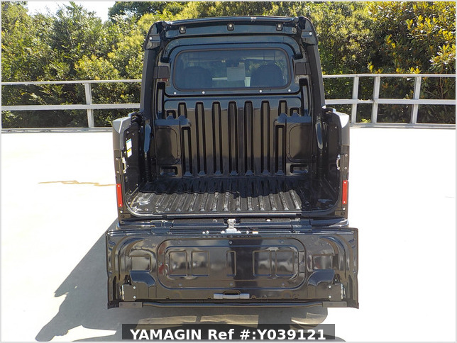 It is a picture of the black daihatsu hijet deck van in 2020,Sub Photo 4 Stock No.Y039121