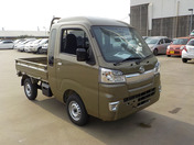 It is a picture of the  khaki  daihatsu hijet jumbo in 2021,First Photo Stock No.Y040053