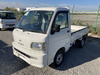 It is a picture of the white daihatsu hijet truck in 2000,Sub Photo 1 Stock No.Y040319